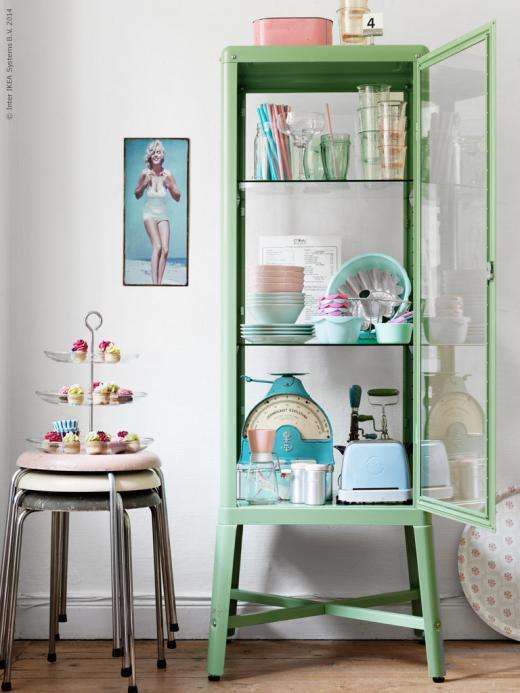 Ikea Kok Inspiration 2014 : blott kok ikea  Rott grott med BODBYN serien BODBYN vitrindorr