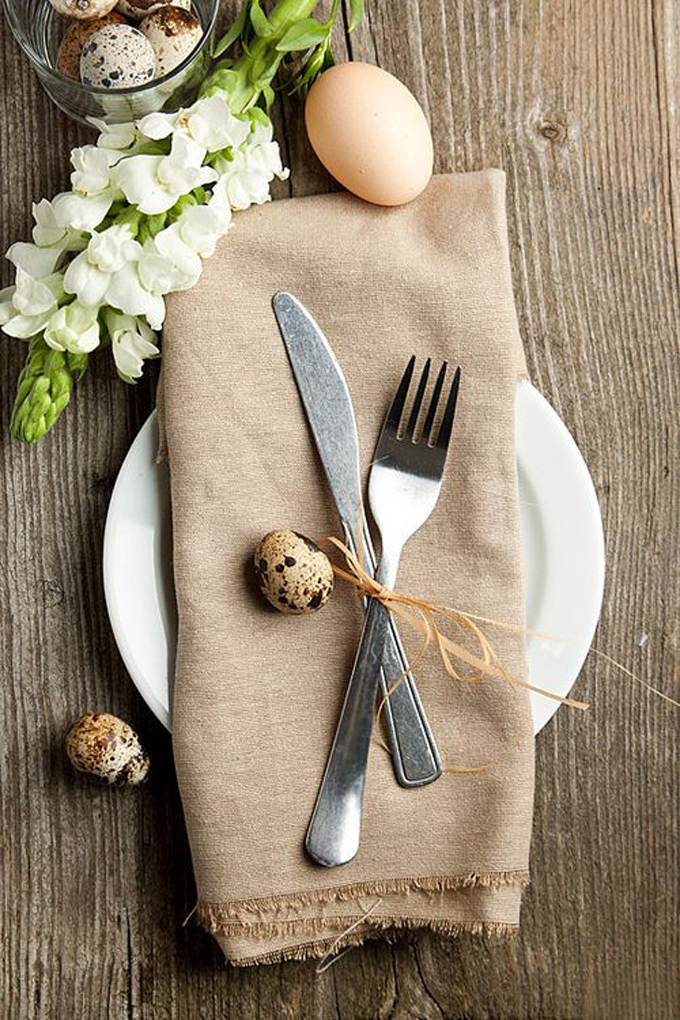 Simple easter table setting2