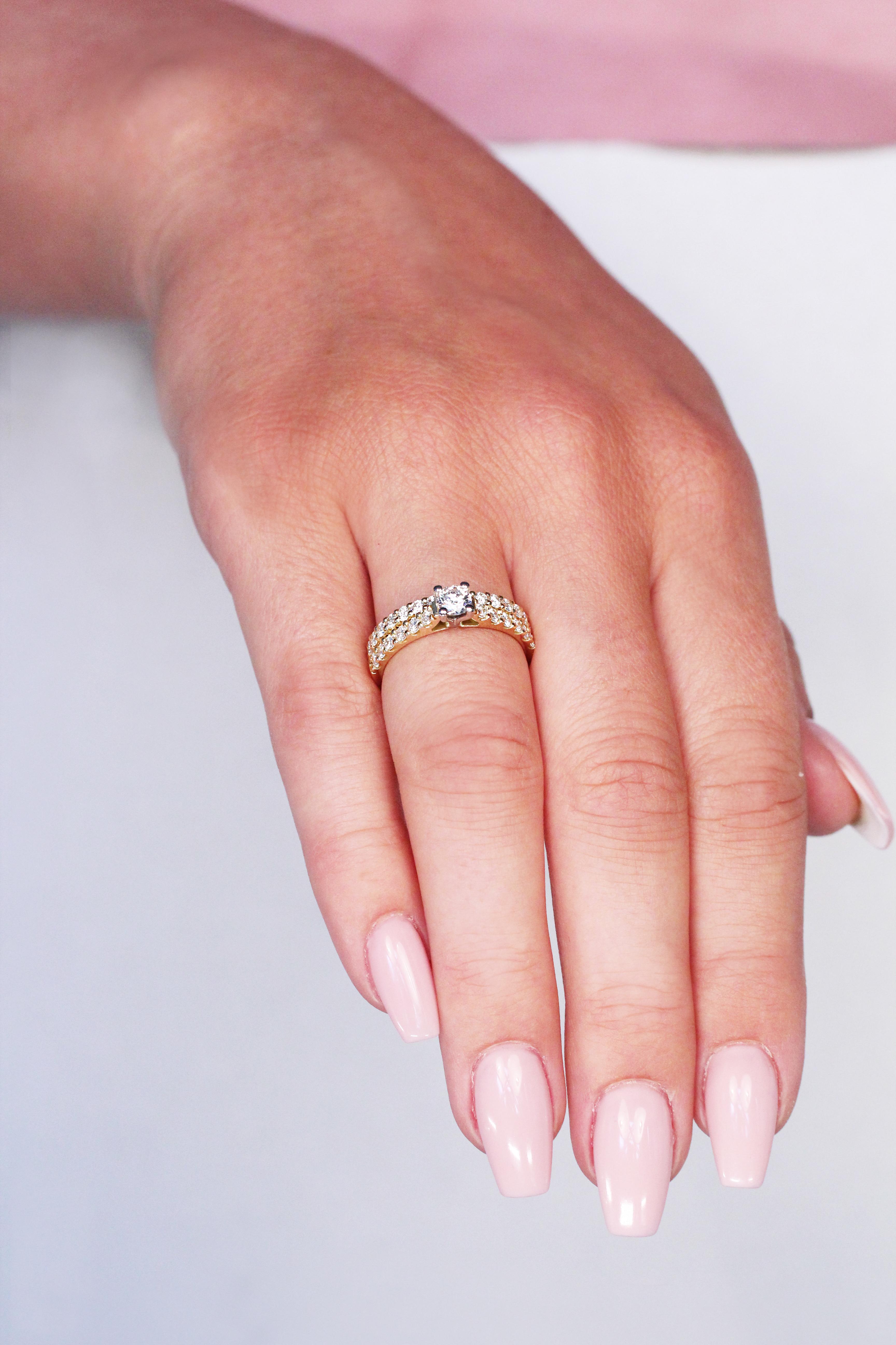 förlovning och vigselring